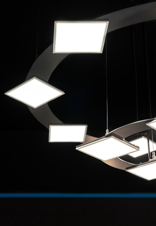 Image by Gavriilux of the Corona-chandelier created with ultra-flat Hikari SQ technology